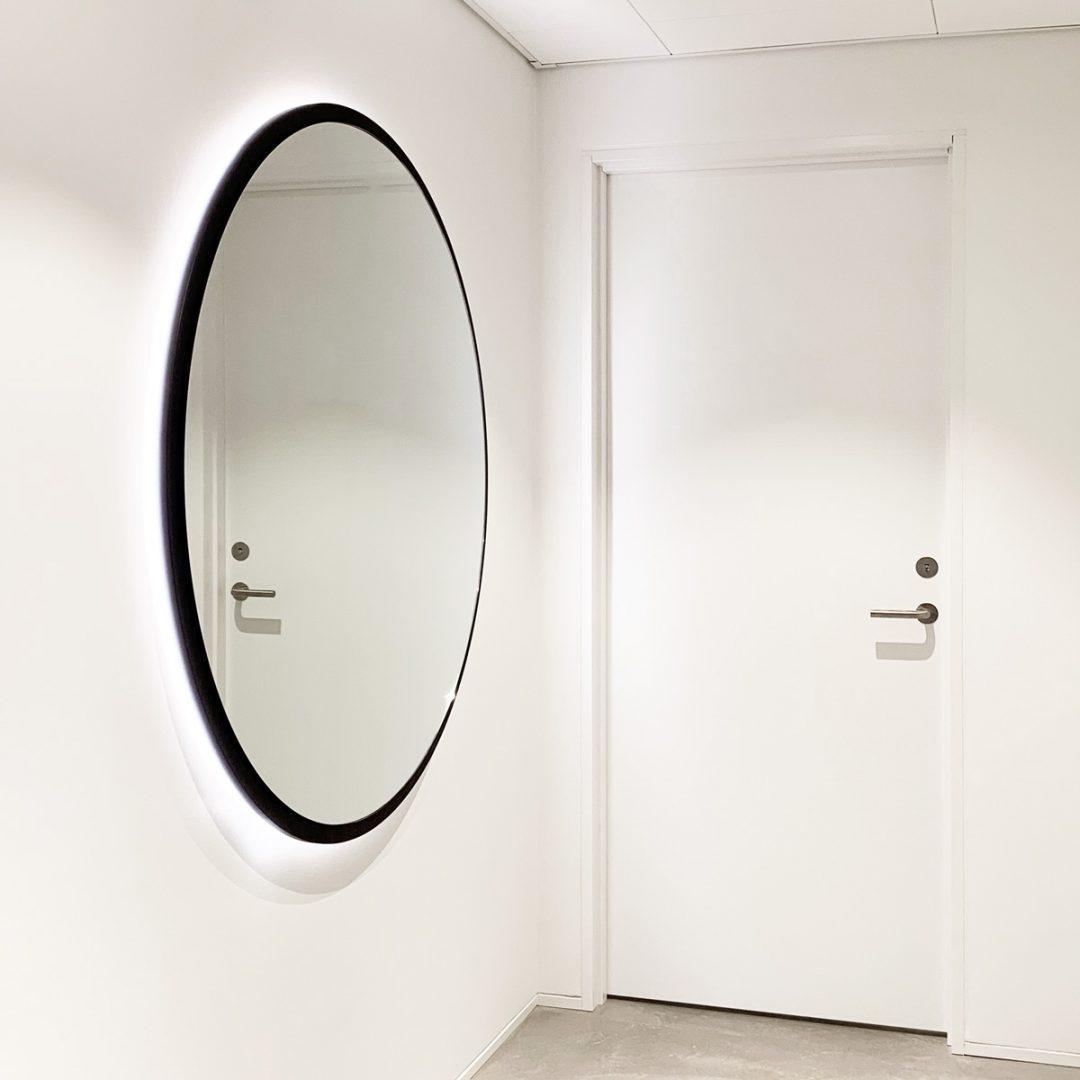 Normal mirror